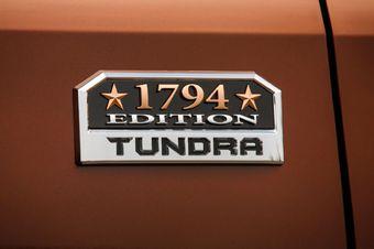 Tundra 1794 Edition эмблема на кузов
