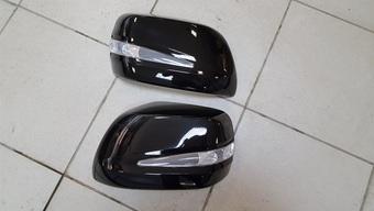 Корпуса зеркал с повторителями поворотов LC200 (черные)