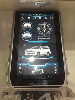 Головное устройство TESLA для LC200