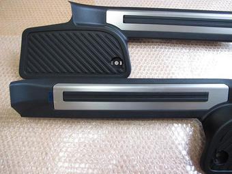 Накладки задних порогов lc200 со вставкой