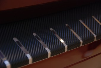 Накладка на задний бампер с карбоном venza