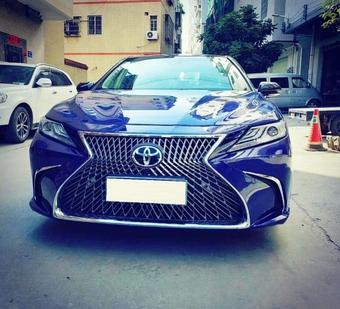 Бампер и решетка стиль Lexus camry v70