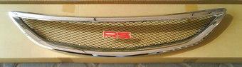 Решетка радиатора хромированная с сеткой на Camry 01-06