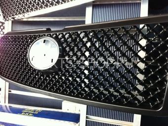 Решетка радиатора черная LC150 в стиле Bentley со значком