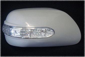 Накладки на зеркала с повторителями поворотов под покраску Corolla.