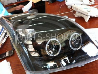 Фары передние линзовые с диодной подсветкой снизу LC120 тюнинг