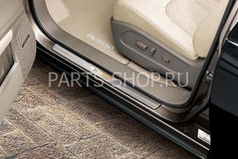 Накладки на пороги с подсветкой Nissan Murano 2008-