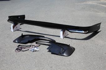 Губа на задний бампер LC200 07-14, LX570 07-12, черная