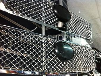 Решетка радиатора хромированная LC150 в стиле Bentley co значком