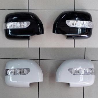 Накладки на боковые зеркала LX470, LC100 с повторителями поворотов (черные, белые либо под покраску)