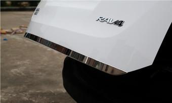 Накладка на нижнюю кромку багажника для RAV4 2013