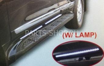 Боковые подножки на LC200 с подсветкой стиль LX570 (черные, белые, серебристые и золотистые)
