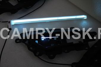 Внутрисалонная подсветка ручек и бардачка Camry V70 2018