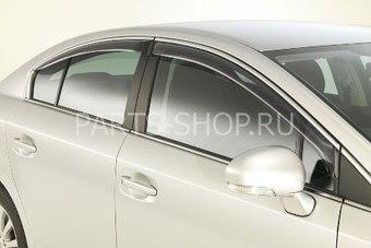 Ветровики оригинальные Avensis седан