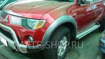 Расширители передних колёсных арок L200 цвет: черный, серебро
