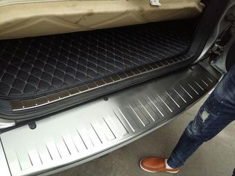 Накладка внутри багажного отделения rav4 09-12