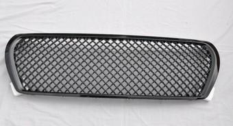 Решетка радиатора стиль Бэнтли LC200 черная