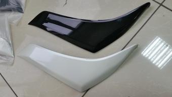 Реснички на фары lc150 2014- (белые, черные)