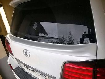 Спойлер под стекло WALD Lexus LX570